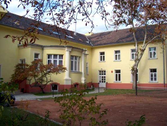Ferenczy Noémi Kollégium
